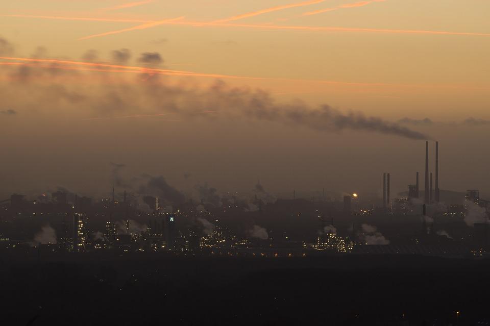 Nuove misure per il miglioramento della qualità dell'aria a Milano: blocco delle auto e riscaldamenti inquinanti